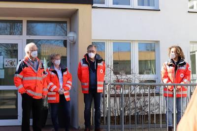 Ein Team des DRK führte die Impfungen durch. Von links: Dr. Roland Leibold, Schwester Susanne Kugel, Dr. Hans-Jürgen Wehr, Medizinstudent Peter Handschak.
