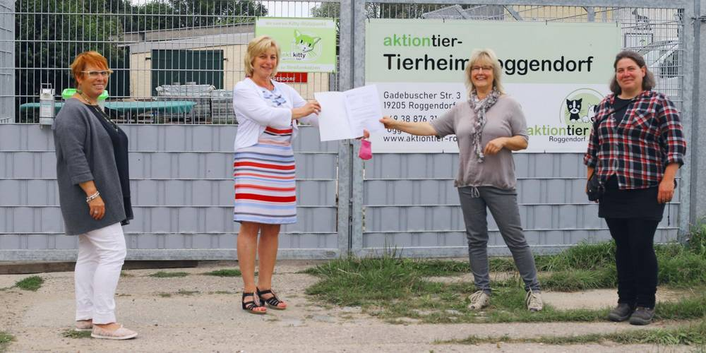 Landrätin überbringt Zuwendungsbescheid an das Tierheim Roggendorf