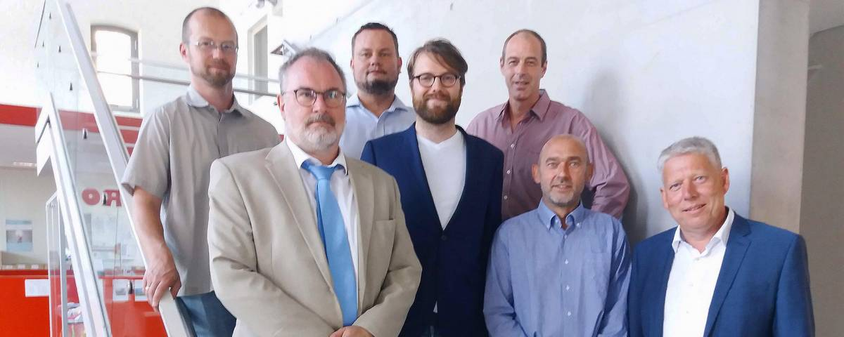 Die Vorsitzenden der sieben Farktionen im Kreistag Nordwestmecklenburg (v.l.n.r.): Björn Griese (DIE LINKE), Christoph Grimm (AfD), Renè Domke (FDP), Mathias Engling (Bündnis 90/ Die Grünen), Christian Albeck (SPD), Dietmar Hocke (LUL) und Thomas Grote (CDU)