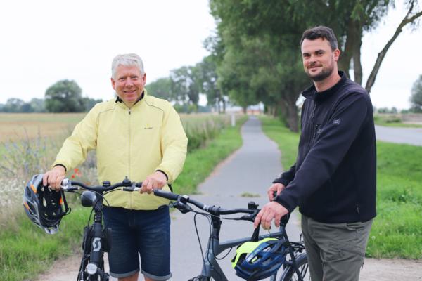 Kreistagspräsident Thomas Grote und Landrat Tino Schomann rufen die Nordwestmecklenburgerinnen und Nordwestmecklenburg dazu auf, beim STADTRADELN mit zu machen und freuen sich auf die Eröffnungs-Radtour.